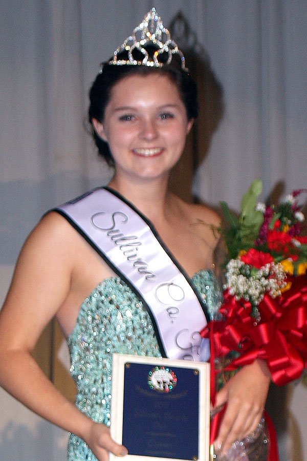 Liz Fluck, 2017 Fair Queen